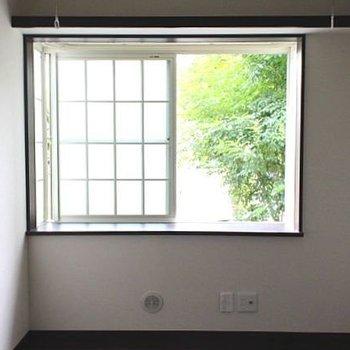 1階ですが、柔らかな日差しが差し込みます。※写真は1階同間取り別部屋のものです