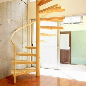 【LDK】2階に上がろうかな