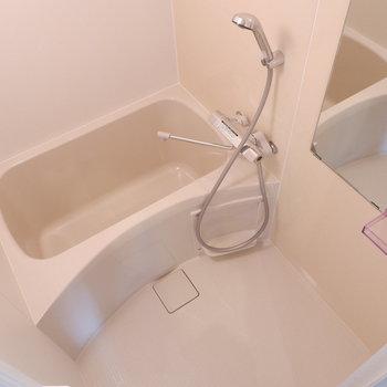 浴室も1人暮らしにちょうどよいサイズ。