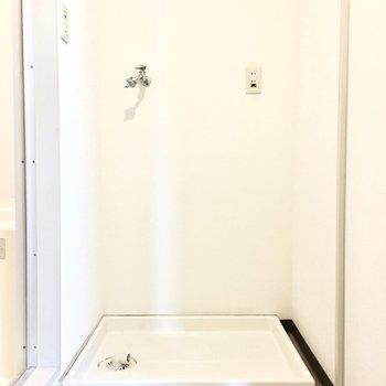 洗濯パンはお風呂場の横に。