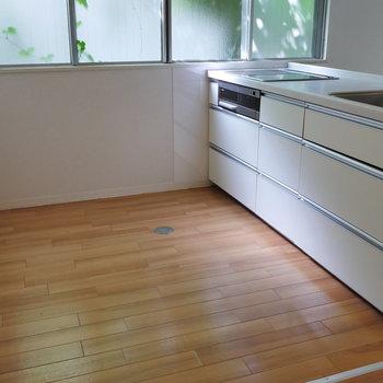 キッチンスペースもゆったり。