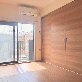区切ったらこんな感じです※写真は2階の同間取り別部屋、通電前のものです