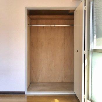 こちらは両開きの扉になる予定!※工事前のお写真です。