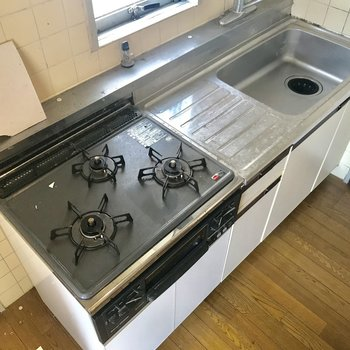 まるっと新しいキッチンに変わります!※工事前のお写真です。