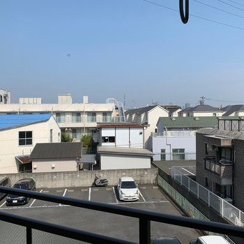 バルコニーからの眺望。風通しが良好◎
