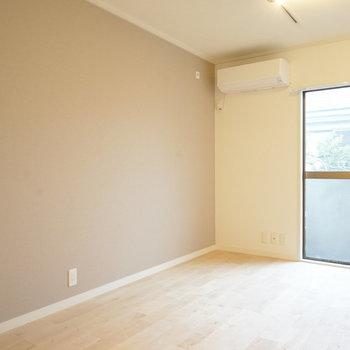 【イメージ】寝室にもベランダに出れる窓があり、明るい!