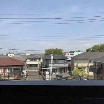 こちらも閑静な住宅街が眺望