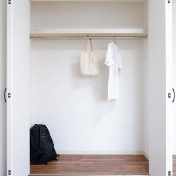 こちらの収納も大容量。※写真は2階反転間取りの別部屋のものです