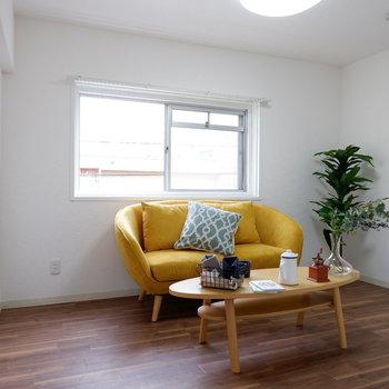 居室はもっと色んな物を置けるはず!※写真は2階反転間取りの別部屋のものです