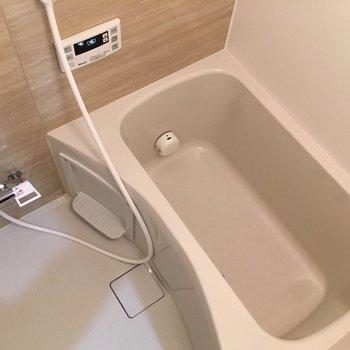 お風呂もきれいに生まれ変わってますよ