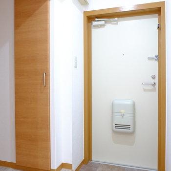 玄関床のタイルもおしゃれ〜!