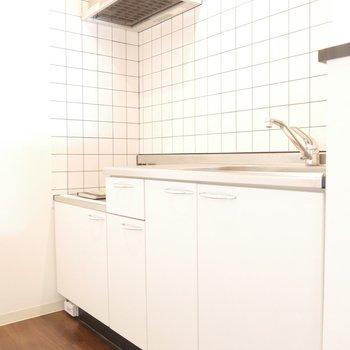 キッチンのタイルがなんとも可愛い♪