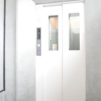エレベーターがあるから8階までも楽チン!