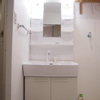 広々の洗面台