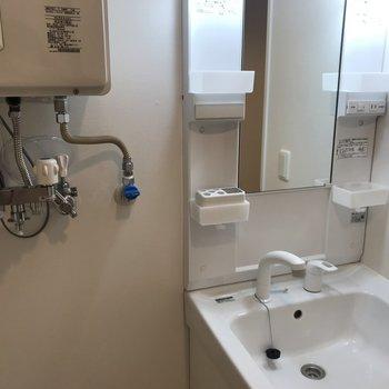 洗面台はこんなかんじ※写真は同間取り別部屋です