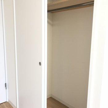 リビングの収納もきちんとあります。※写真は同間取り別部屋です