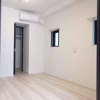 【洋室】寝室に使うのが良さそう。※写真は7階の同間取り別部屋のものです