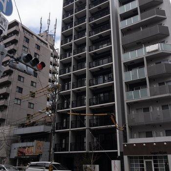 11階建てマンションです。