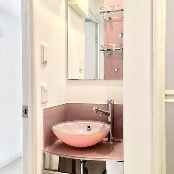 洗面台だってピンク!いつだって気分はハッピー♪