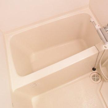 お風呂はかくかくっと(※写真は3階の同間取り別部屋のものです)