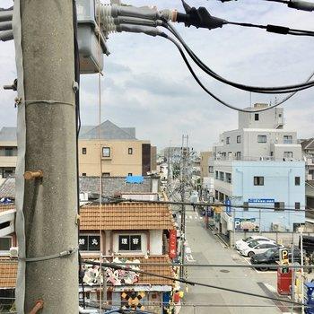 眺望は塚口の街並みと電柱。