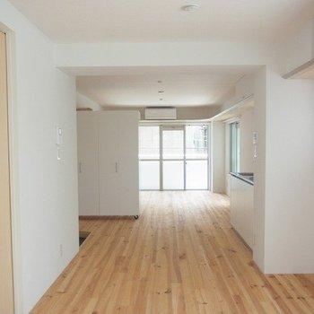 たとえば玄関横に仕切りとしても置けます※写真は3階の同間取り別部屋のものです
