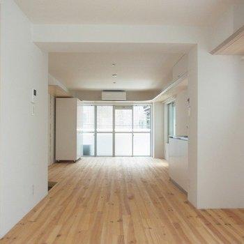 クローゼット移動させてみました。いろいろな使い方できます※写真は3階の同間取り別部屋のものです