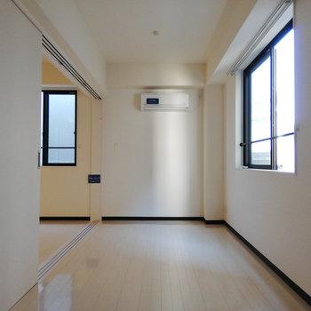 奥側から。※写真は3階の同間取り別部屋のものです