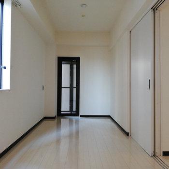 奥まったところを寝室スペースに。※写真は3階の同間取り別部屋のものです