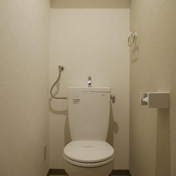 トイレはすごくシンプル!
