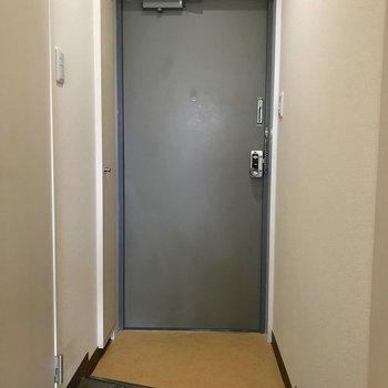 玄関部分には