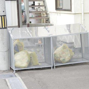 敷地内ゴミ置き場もありました!