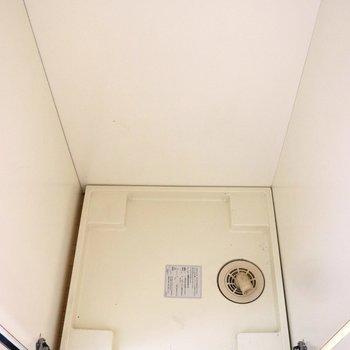 洗濯機置場はドアで隠せます