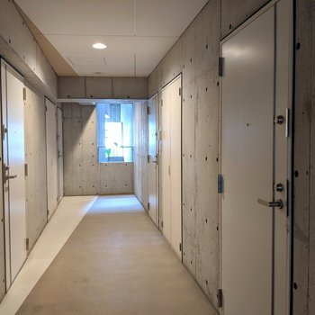 廊下もスタイリッシュの極み。