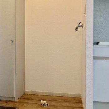 キッチンの隣に洗濯機置き場