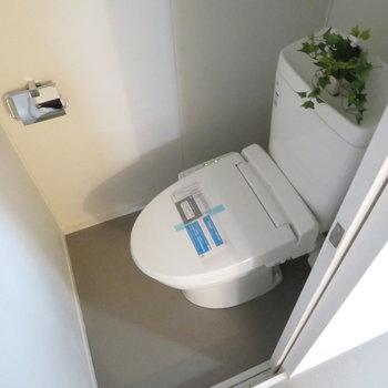 お風呂の前にはトイレが