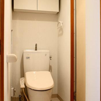 脱衣所にトイレ。