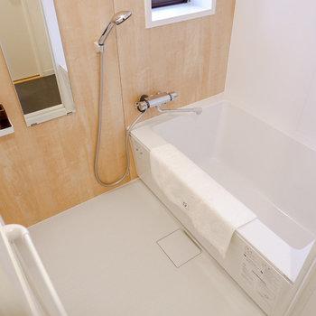お風呂もリラクシブルな広さです。