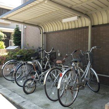 駐輪スペースには屋根が