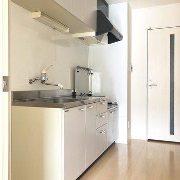 キッチン横に冷蔵庫を置けます。※写真は前回募集時のものです