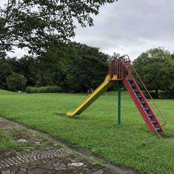 近くに広めな公園もありましたよ。