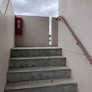 横幅の確保された階段です。