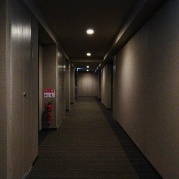 共用部はホテルのよう。高級感がありますね。