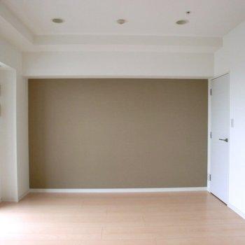 アクセントクロス☆ ※写真は10階の同間取り別部屋のものです
