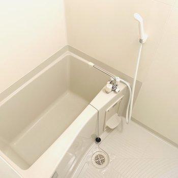 コンパクト目なバスルーム