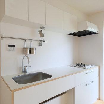 キッチンが広いのです!※写真は1階の似た間取り、別部屋の写真です