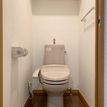 トイレはちゃんと独立してるのが良い。