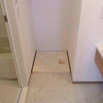 室内洗濯機置き場。※写真は3階の同間取り別部屋のものです