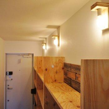 照明もいい感じ※写真は3階同間取り別部屋のものです