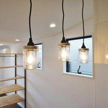 三匹の照明※写真は3階同間取り別部屋のものです